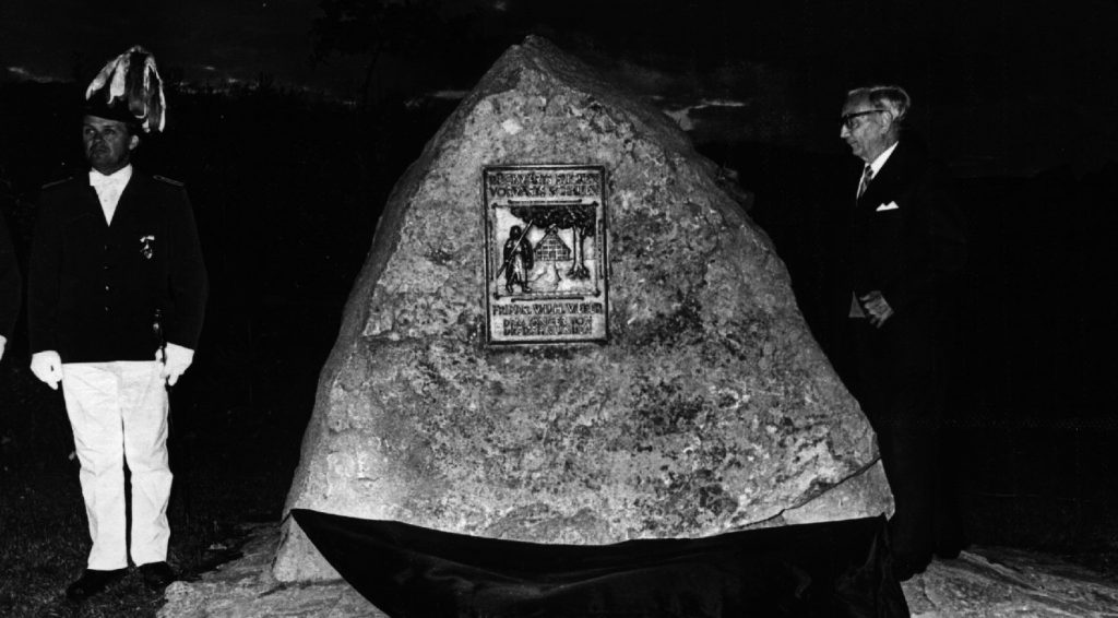 Friedrich-Wilhelm-Weber-Gedenkstein am Schießstand enthüllt